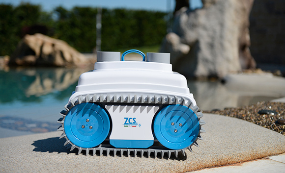 Robot do czyszczenia dna basenu
